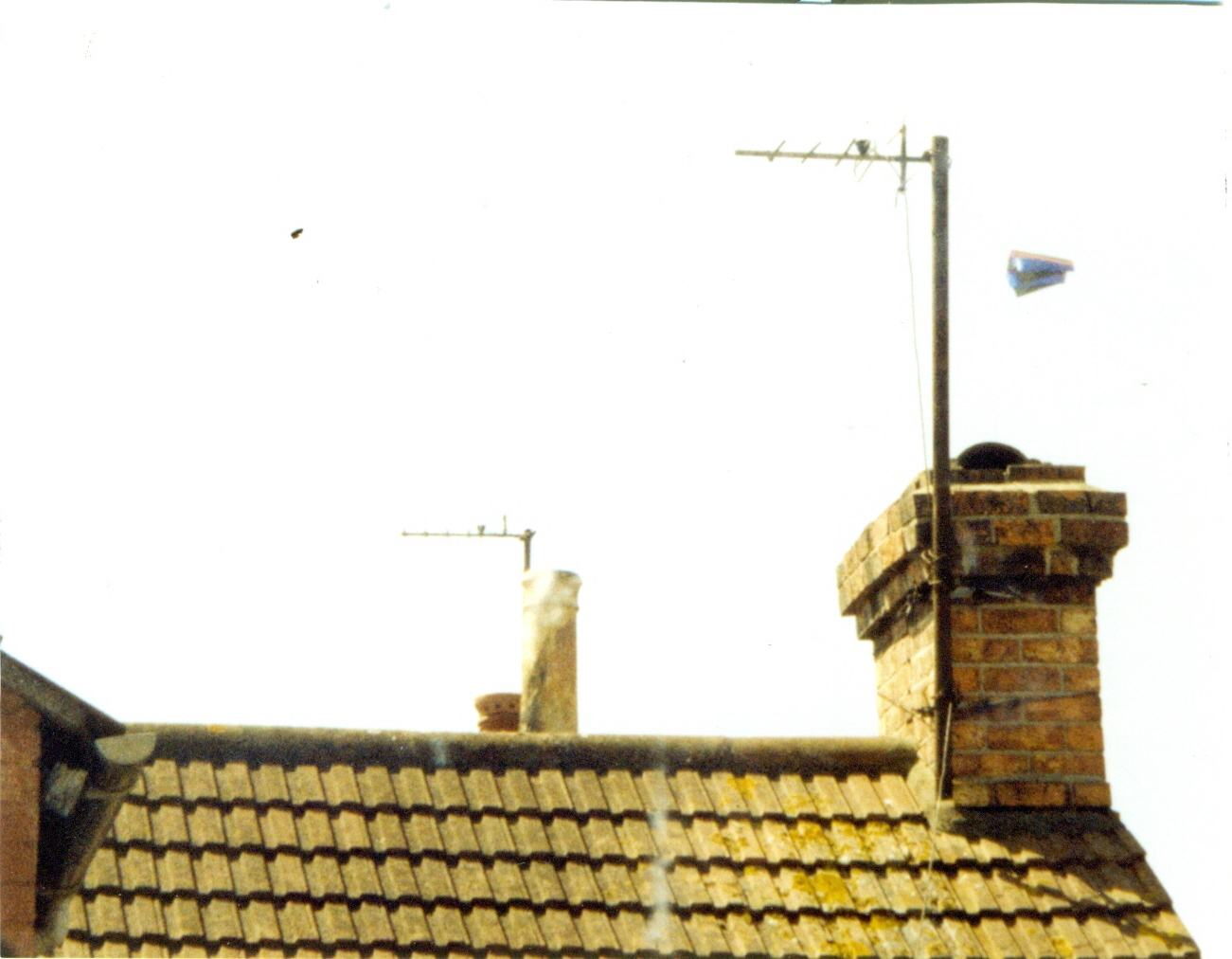 27th June UFO Over Rooftops